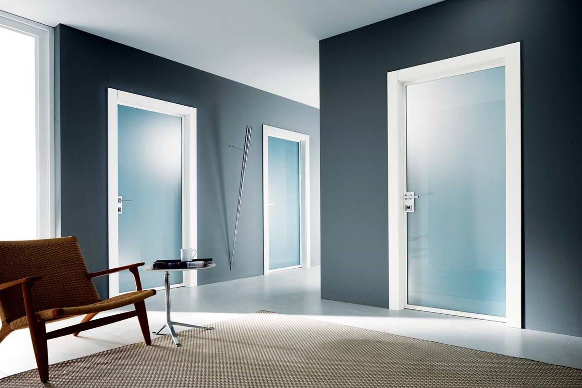 Porte in vetro la porta giusta per far trasparire la for Immagini porte interne